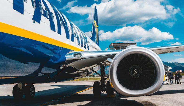 Aviões deixam de ter lotação reduzida a partir desta segunda-feira