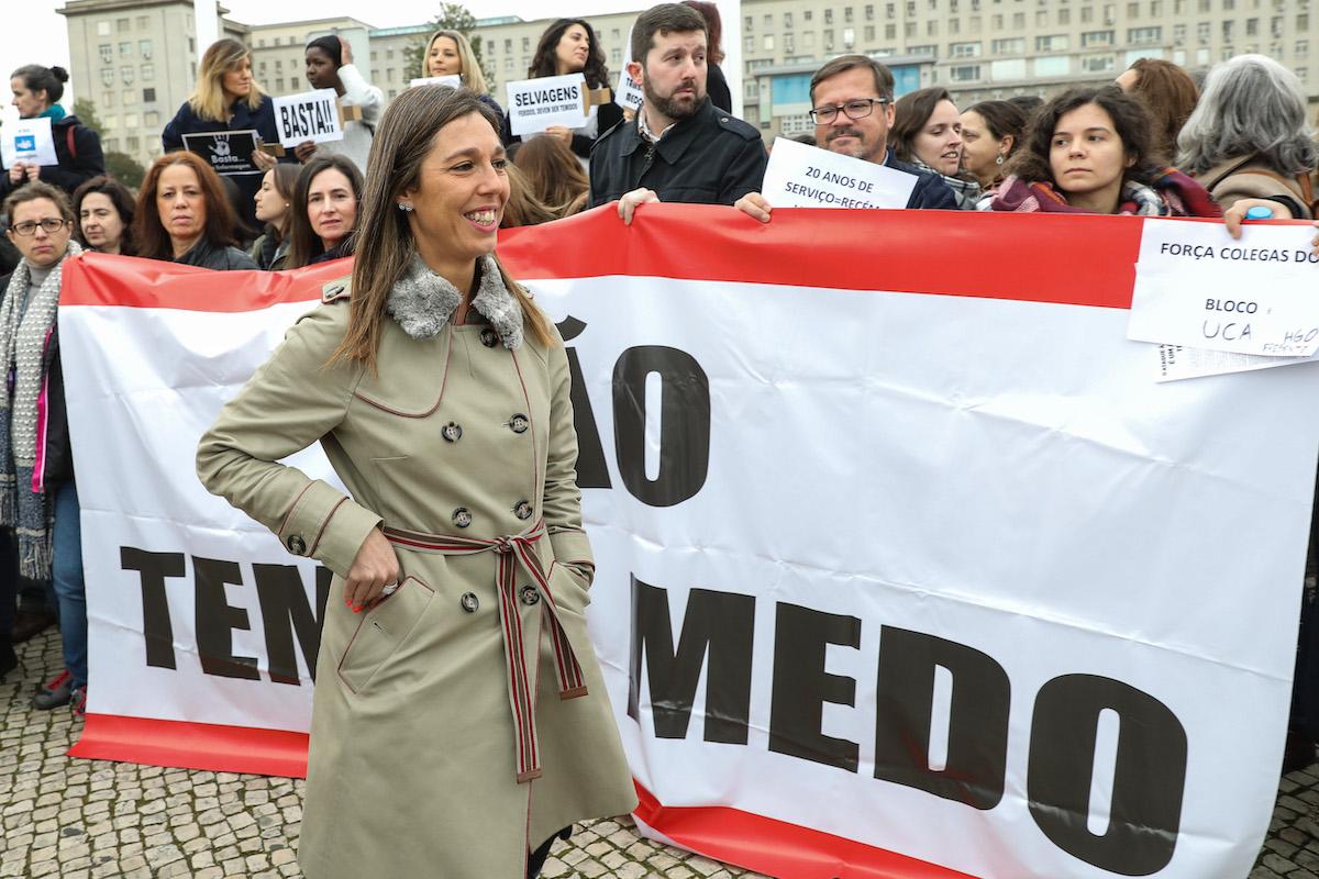 Resultado de imagem para Enfermeiros recusam doar dinheiro do crowdfunding das greves para causas sociais