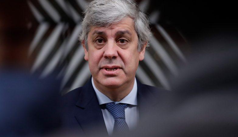 """Ministério das Finanças já admite """"documento de trabalho"""" sobre injeção no Novo Banco"""