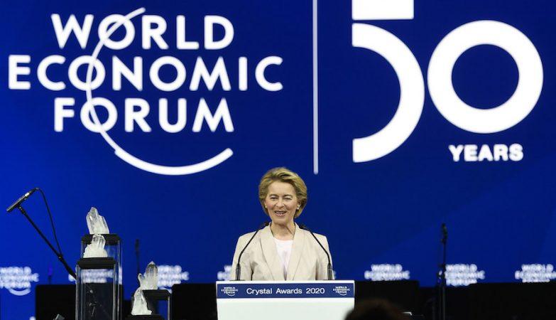 Comissão Europeia planeia reduzir capacidade das multinacionais em explorar sistemas fiscais