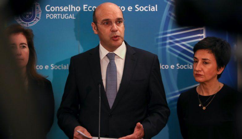 Resultado de imagem para Conselho de Ministros anuncia novas medidas de apoio, incluindo moratória de seis meses nos créditos