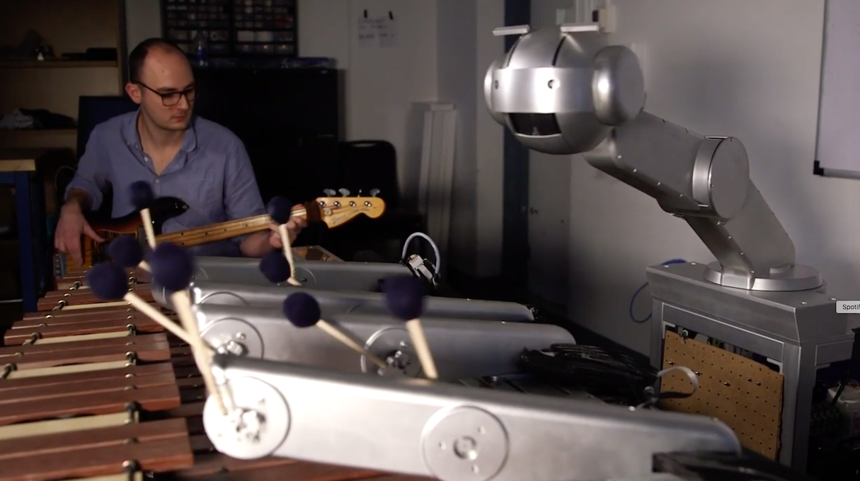 This robot composes and sings (and will already tour)