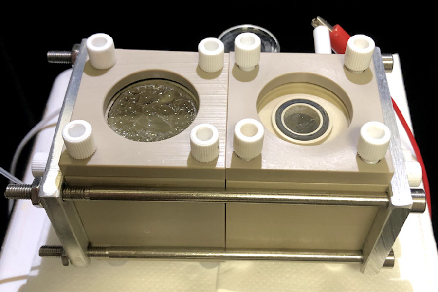 On Earth or on Mars: hybrid reactor converts CO2 into organic products