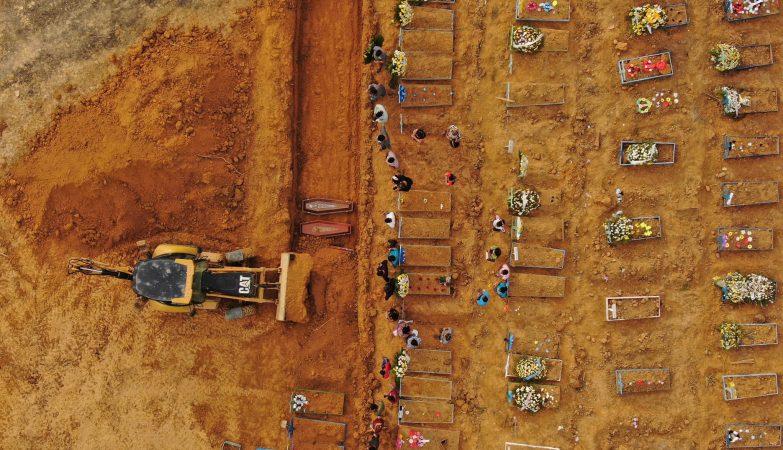 Brasil supera as marcas de 100.000 mortes e de 3 milhões de casos da COVID-19