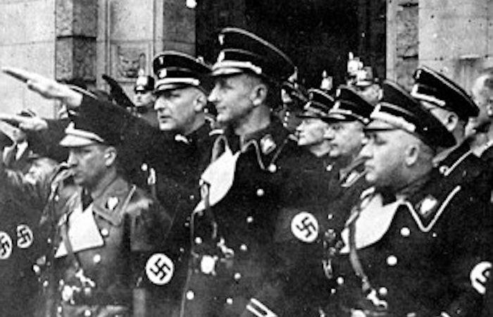 Israel publica fotografias inéditas da operação de captura do nazista Adolf Eichmann,