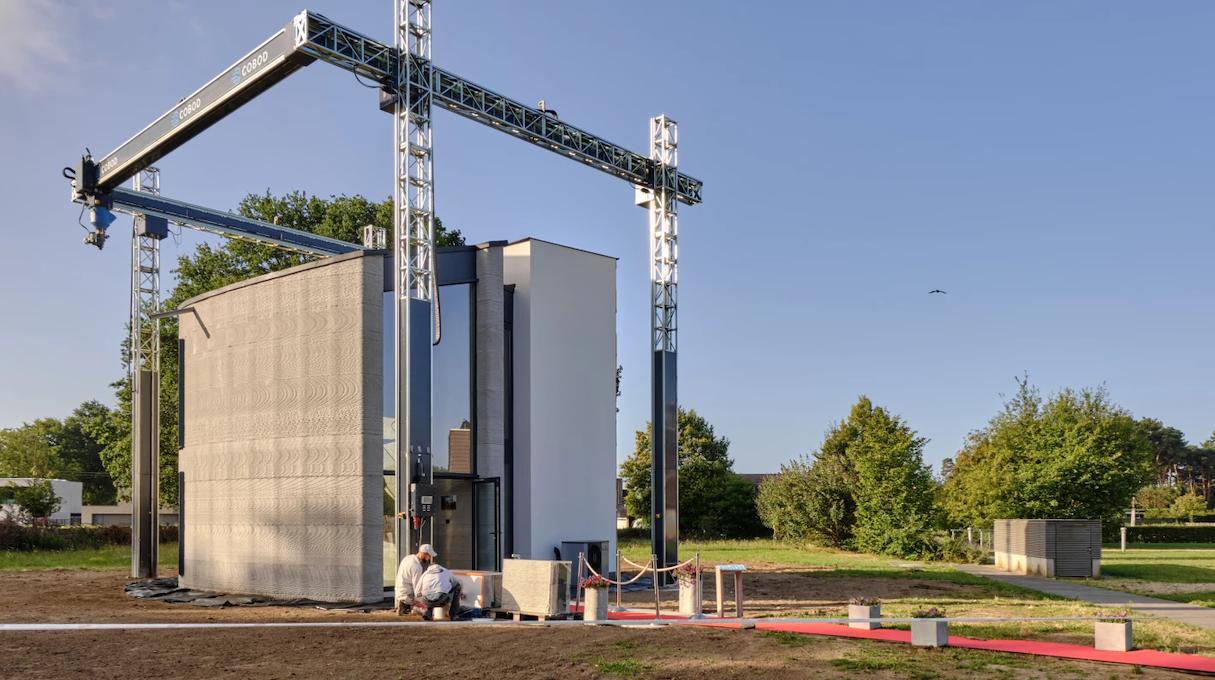 A maior impressora 3D da Europa criou uma casa inteira de dois andares