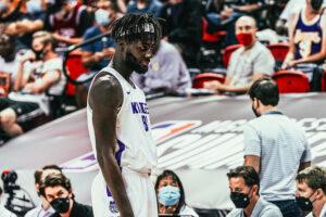 Neemias Queta com a camisola dos Sacramento Kings na Summer League da NBA.