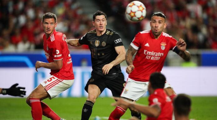 Otamendi e Vertonghen disputam a bola com Lewandowski