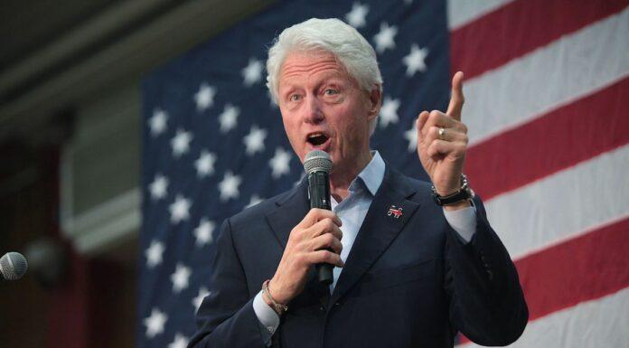 O antigo Presidente dos Estados Unidos, Bill Clinton