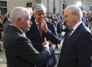 O presidente da Confederação Empresarial de Portugal, António Saraiva, o governador do Banco de Portugal, Mário Centeno, e o presidente do Partido Social Democrata, Rui Rio