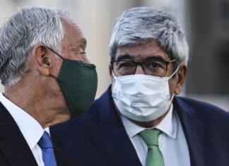 O Presidente da República, Marcelo Rebelo de Sousa, conversa com o presidente da Assembleia da República, Eduardo Ferro Rodrigues